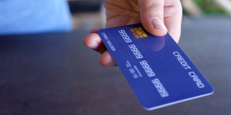 Memilih Mengajukan Kartu Kredit di Mall